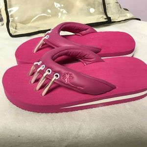 6c843ce46 Beech Shoes - Beech yoga and pedicure sandals pink NEW